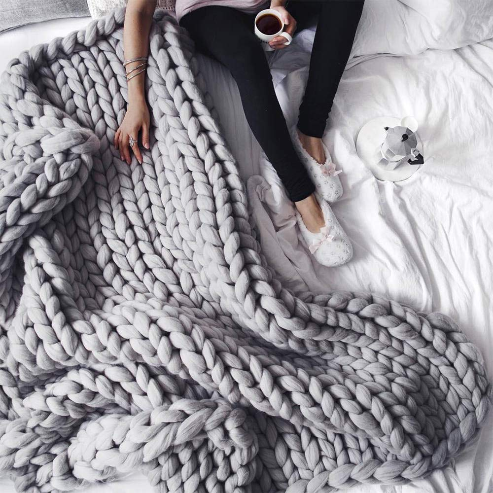 15 Super Comfy Blankets That Will Keep You Warm And Cozy These Are All The